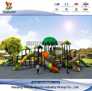 Amusement Tree House Playset in Outdoor Children Park
