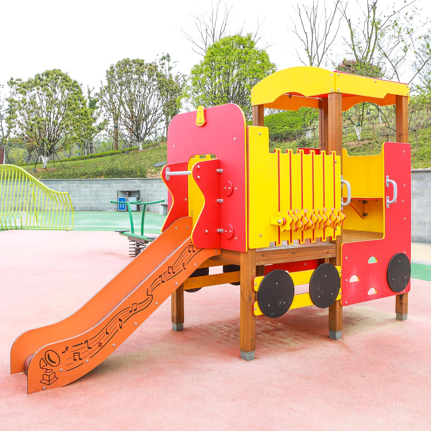 Buy plastic playground to your baby, you need know these common sense.